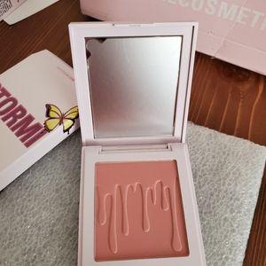 Kylie cosmetics x STORMI blush